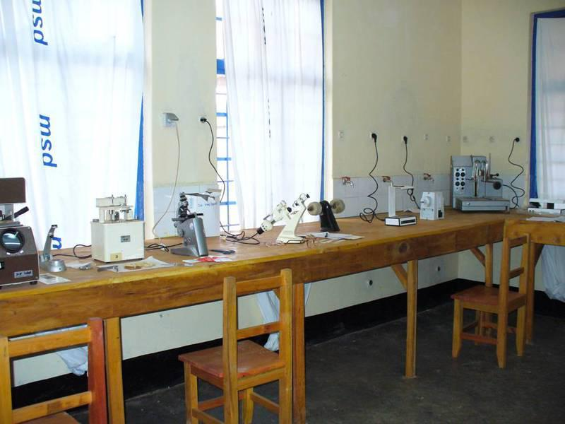 img-optical-laboratory-in-the-district-hospital-of-njombe