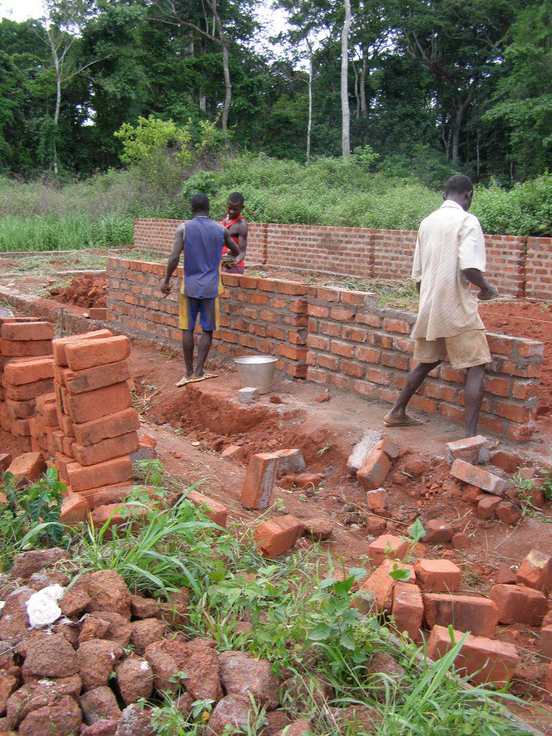 img-support-program-to-the-development-committee-of-mbata-construction-of-3-rooms-school